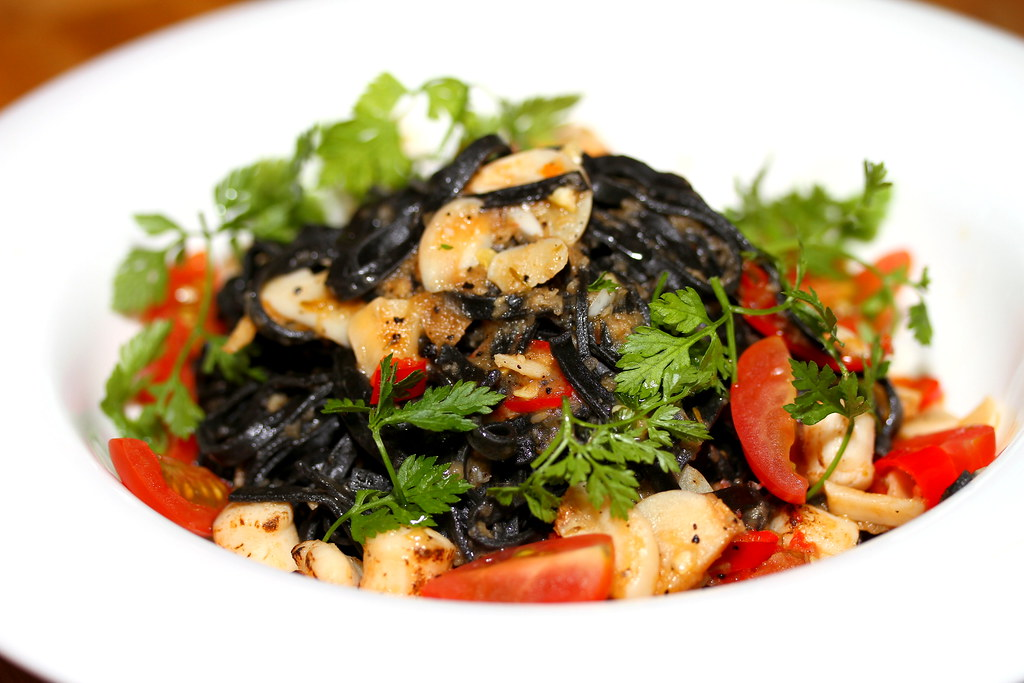 Platypus Kitchen at Bugis Junction: Squid-ink Scallop Ragout