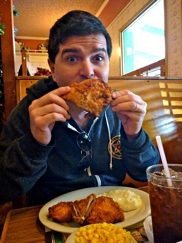 Mrs. Knotts Chicken Dinner Restaurant  Fried Chicken - Photo By Keith Valcourt