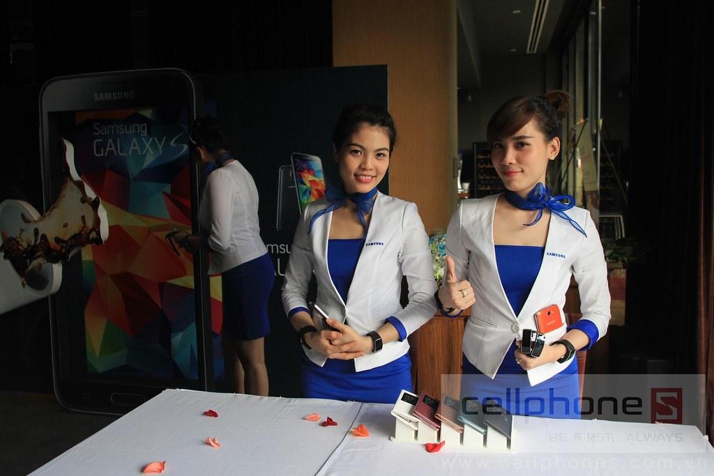 Sforum - Trang thông tin công nghệ mới nhất 13300832415_8ef6684407_b Hình ảnh buổi Offline: Trải nghiệm Galaxy S5