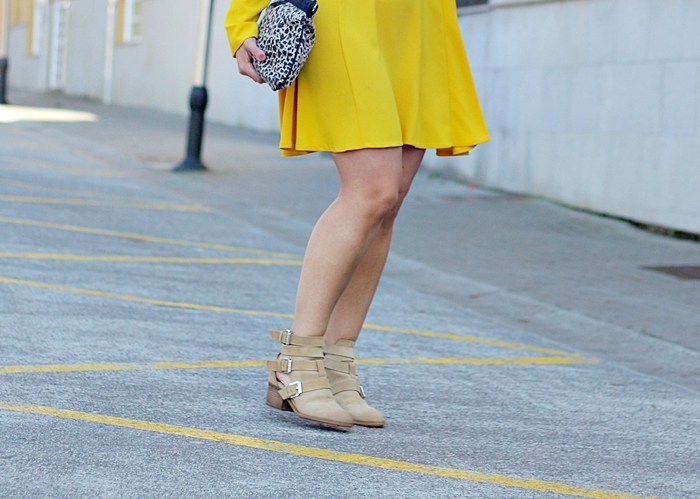 street_style-yellow_dress-zara_people-boots-outfit