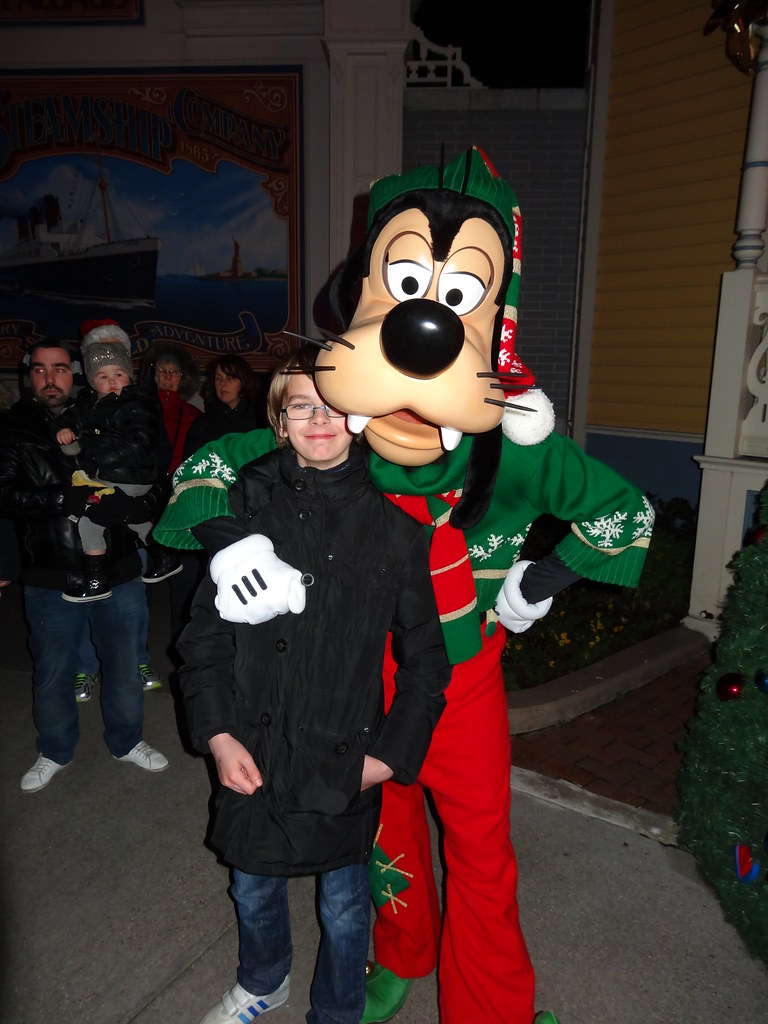 Un séjour pour la Noël à Disneyland et au Royaume d'Arendelle.... - Page 4 13699966895_45251d3500_b