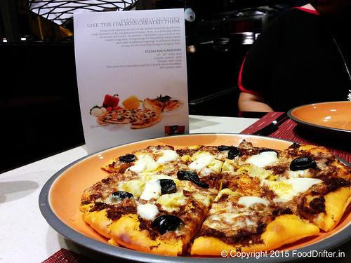 La Pizza Secchi Pesto Di Pomodoro