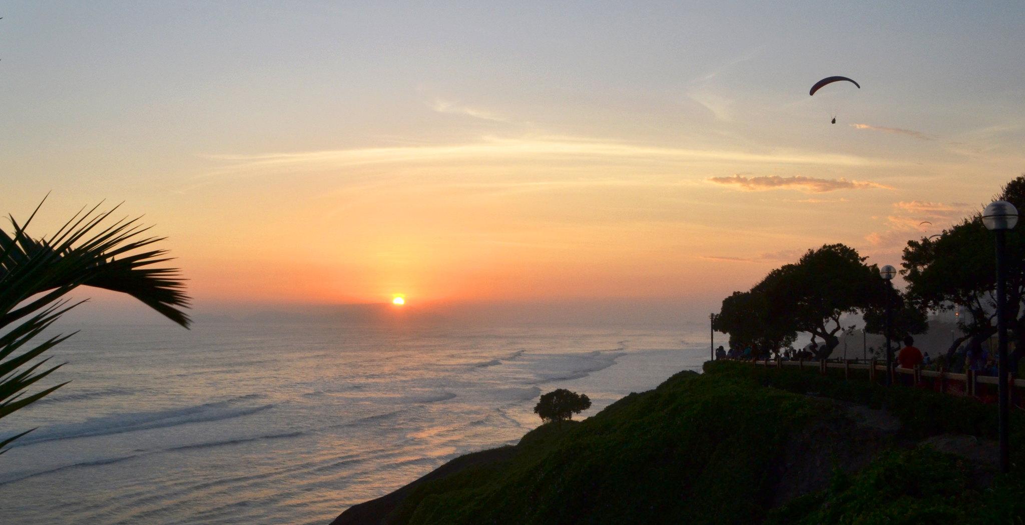 puesta del sol en el Pacífico