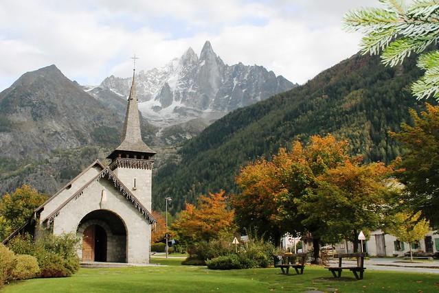church les praz chamonix Aiguille du Dru begind