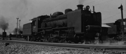 27−峰山駅(郡山駅)構内を走るD60