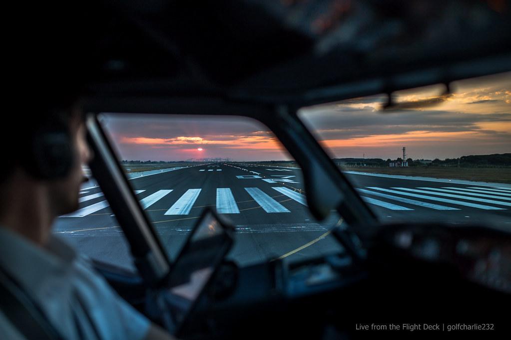 Un rêve devenu réalité : Pilote de ligne - Page 9 20144983661_c8bd7cb85b_b