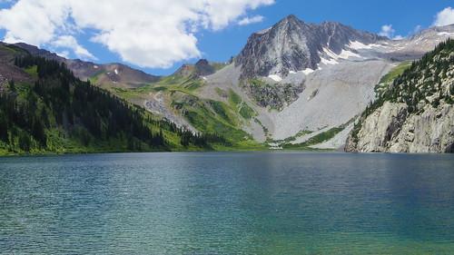 colorado maroonsnowmasswilderness alpine wilderness fourpassloop lake snowmasslake snowmasspeak mountain