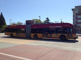 KCM RapidRide Coach on layover at Redmond TC