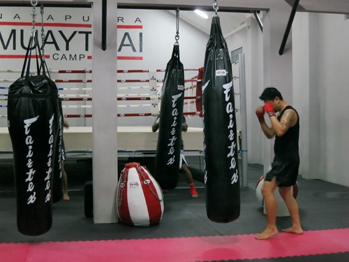 Bag work Nata Putra Muay Thai