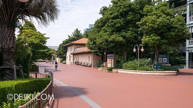 Tokyo DisneySea - Resort Line exit 2