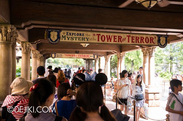 Tokyo DisneySea - Tower of Terror / Outdoor queue 3