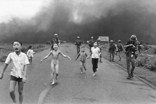 Vietnam war Pulitzer 1973 - phóng viên ảnh Huỳnh Công Út (Nick Út) của hãng thông tấn AP