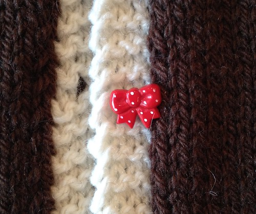 rED pOLKA dOT bOW bUTTON