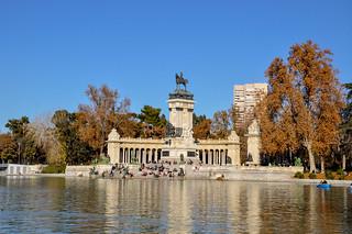 http://hojeconhecemos.blogspot.com.es/2010/06/do-parque-do-retiro-madrid-espanha.html