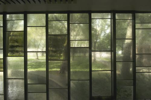 MIT-Chapel_walkway_1_DCF8679