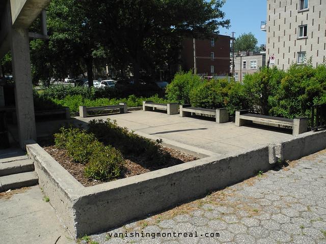 Concrete benches homa