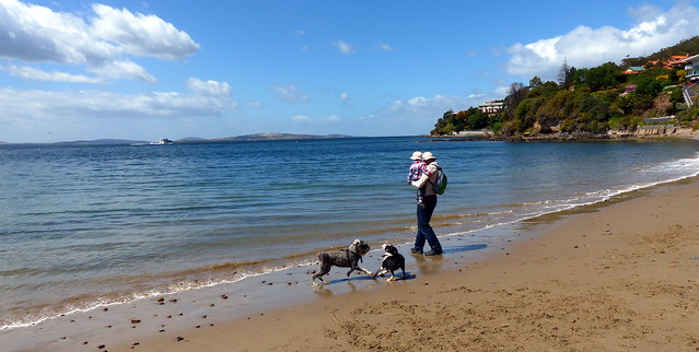 Lottie and Eskil having fun at the beach
