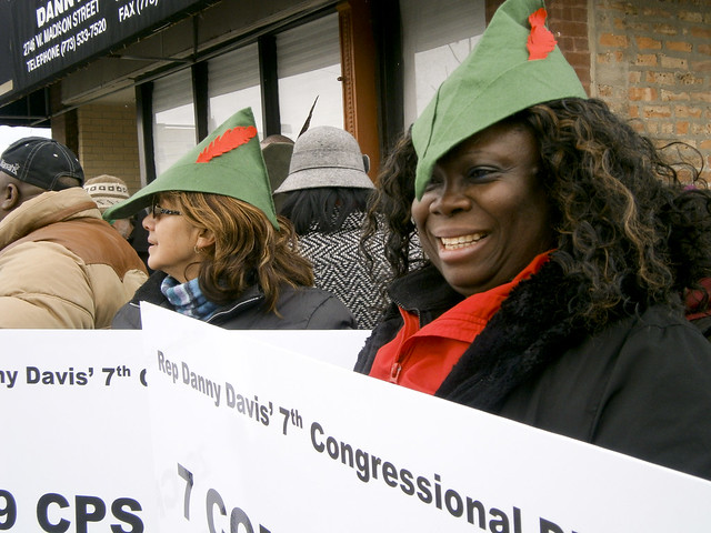 RHT supporters outside of Rep. Danny Davis' office in Chicago, Ill.