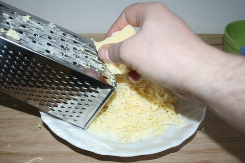 31 - Käse reiben / Grate cheese