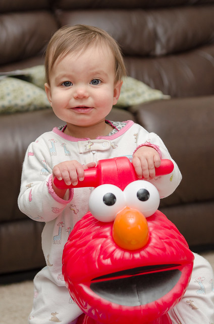 20140202-Coraline-Rocking-Elmo-3342