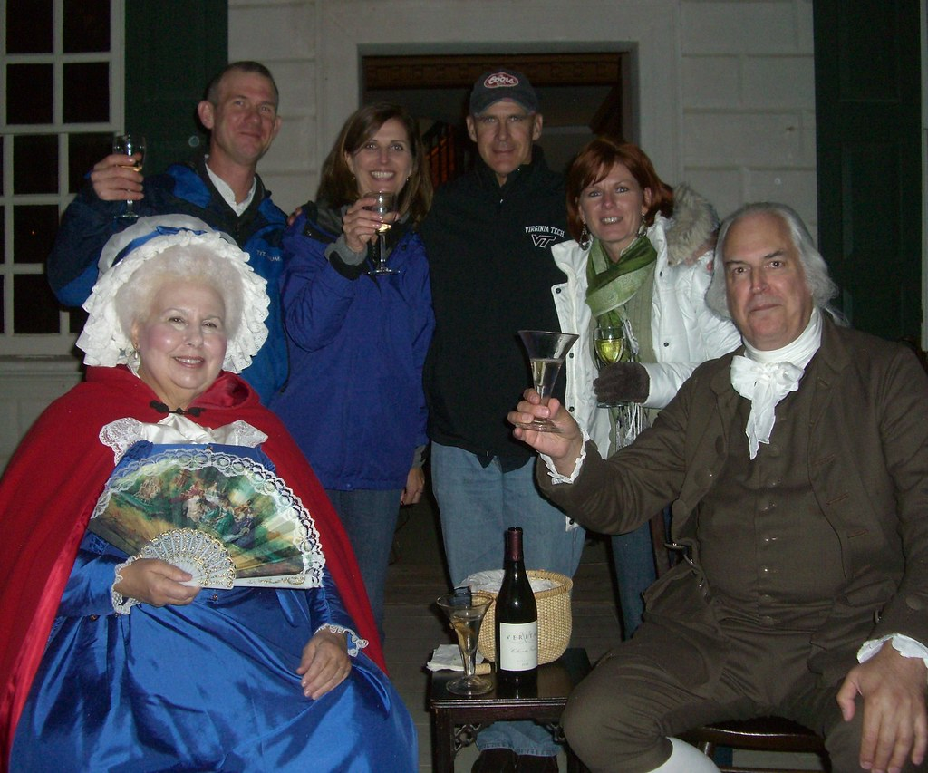 Mount Vernon with Geroge and Martha Washington