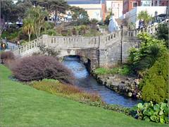 flower(0.0), estate(0.0), ditch(0.0), pond(0.0), garden(1.0), river(1.0), reflecting pool(1.0), lawn(1.0), canal(1.0), waterway(1.0), bridge(1.0),