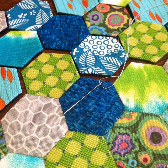 Nursing my sore throat with some relaxing scrappy hexies.