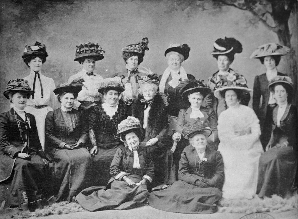 australia women s suffrage Suffrage in australia the colonies of australia began to grant universal male suffrage during the 1850s and women's suffrage followed between the 1890s and 1900s today, the right to vote at federal, state and local levels of government is enjoyed by all citizens of australia over the age of 18 years.