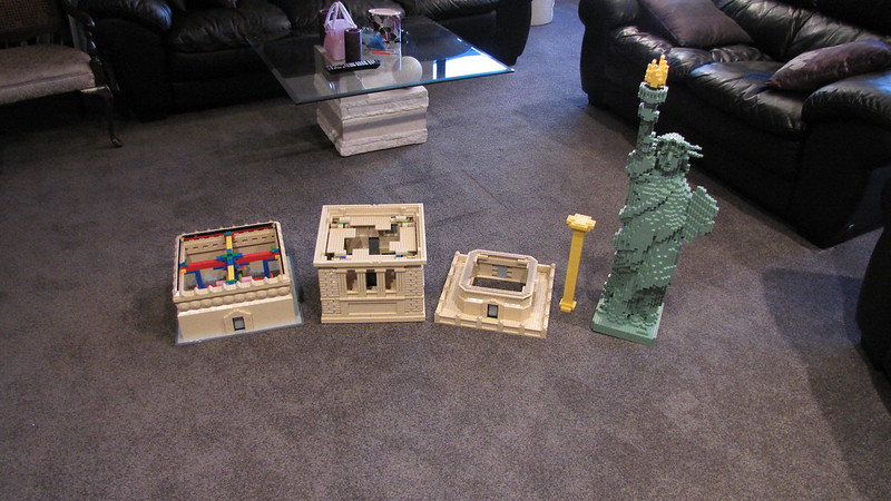 Statue of Liberty on Custom Pedestal - Special LEGO Themes ...