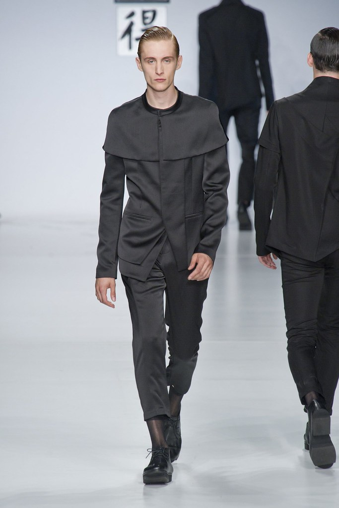 SS14 Milan Ji Wenbo022_Rafa Bodgar(fashionising.com)