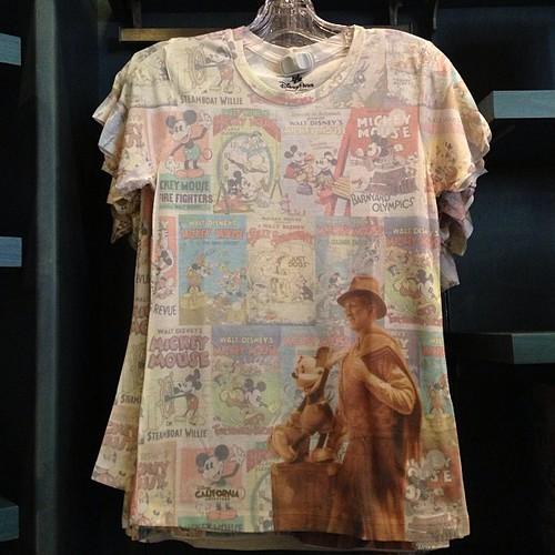 ストーリーテラーズがテーマのシャツがいくつか。 / August 08, 2013 at 10:23AM