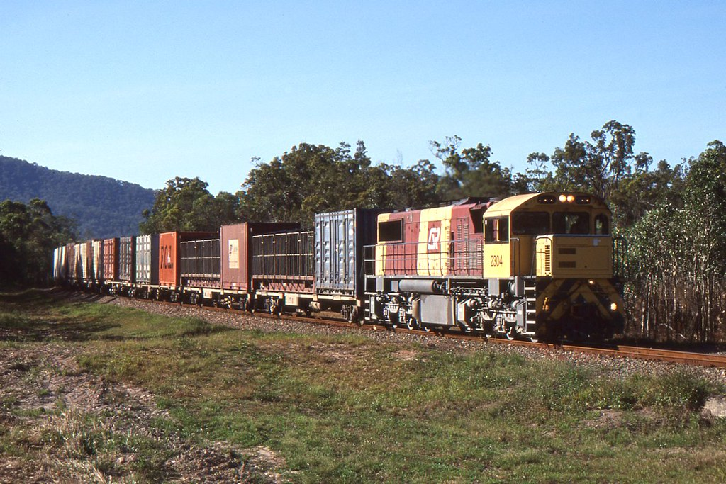2304 up freight Cardwell Crossing 18 09 2002 by Daven Walters