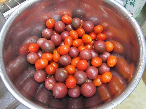 水洗いしたミニトマト 2013年9月7日 by Poran111