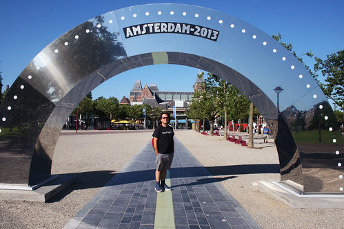 amsterdam_mikey_arch