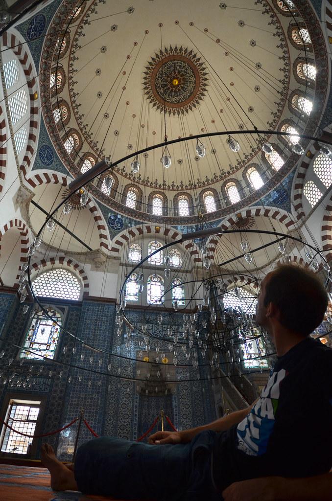 En el interior de la mezquita de Rustem Pasa