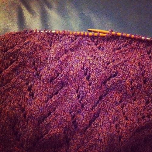 Working on a new pattern:) Lavorando a un nuovo modello:)