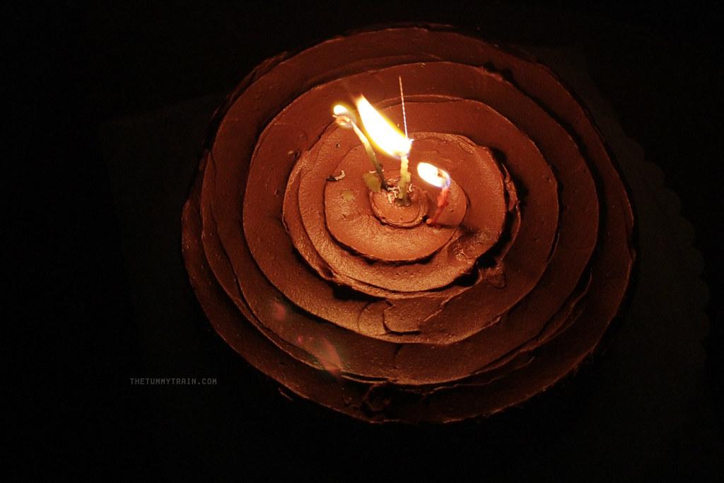 12069638323 6c47043fcc b - Simple birthdays and lemon cakes with chocolate