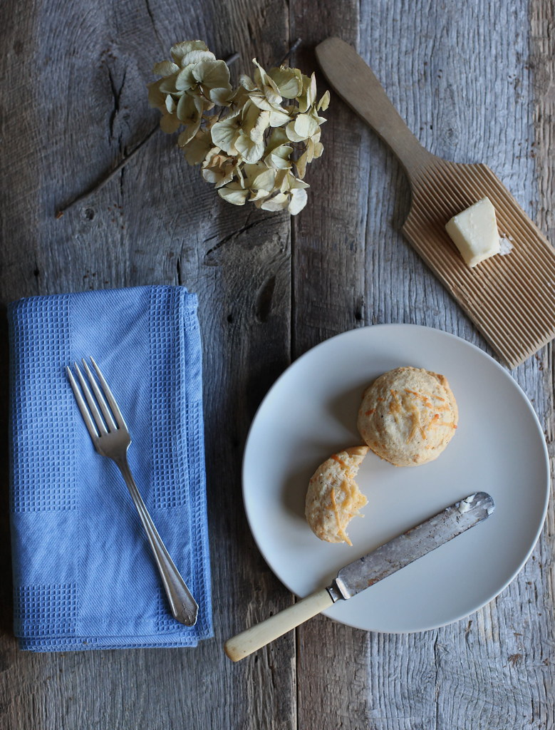 crack pepper + cheddar buttermilk biscuits