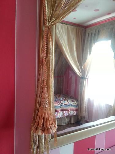 Kyla's-room-tassel