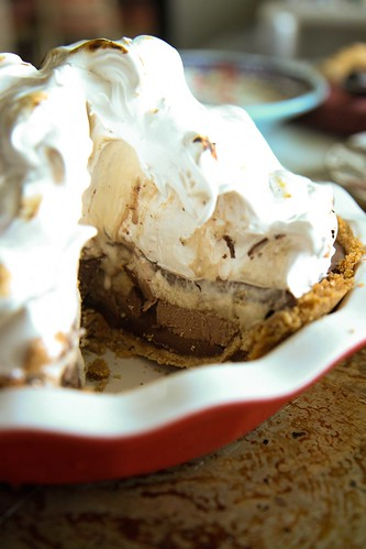 To make this S'mores Ice Cream Pie, this is what you do: