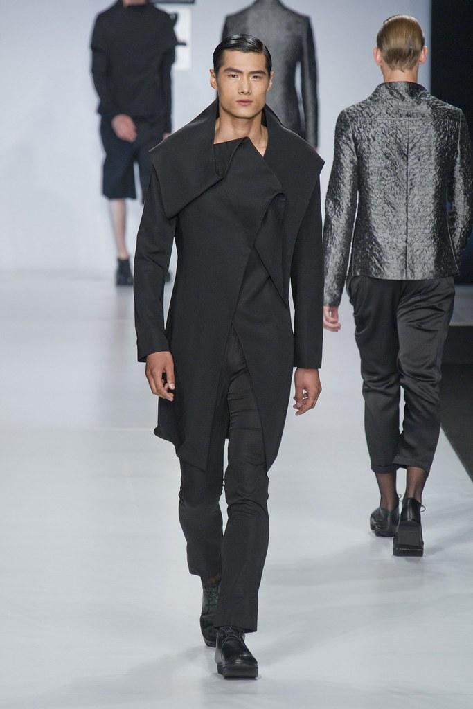 SS14 Milan Ji Wenbo008_Hao Yunxiang(fashionising.com)