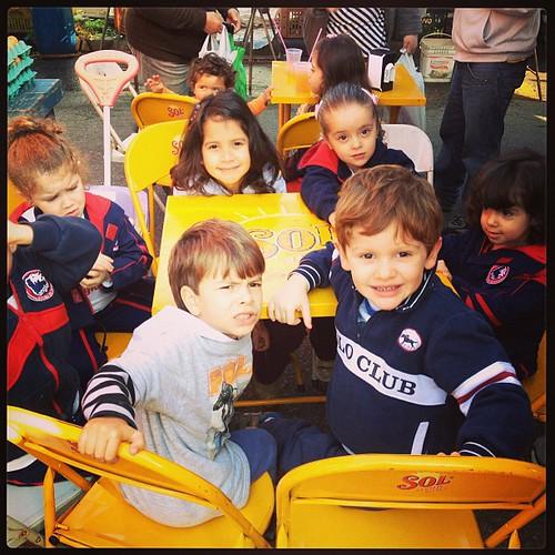 Meus chiqueiros na feira comendo #pastel