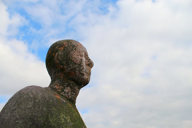 Antony_Gormley_statue_Crosby