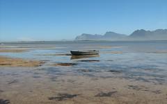Bot-River-Boat