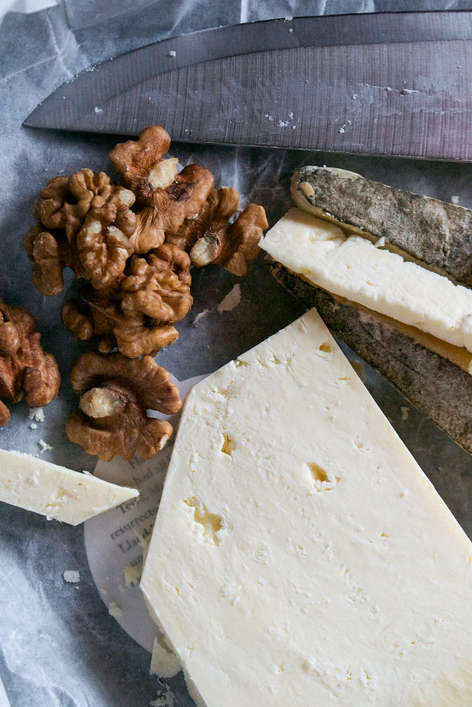 caerphilly cheese with walnuts