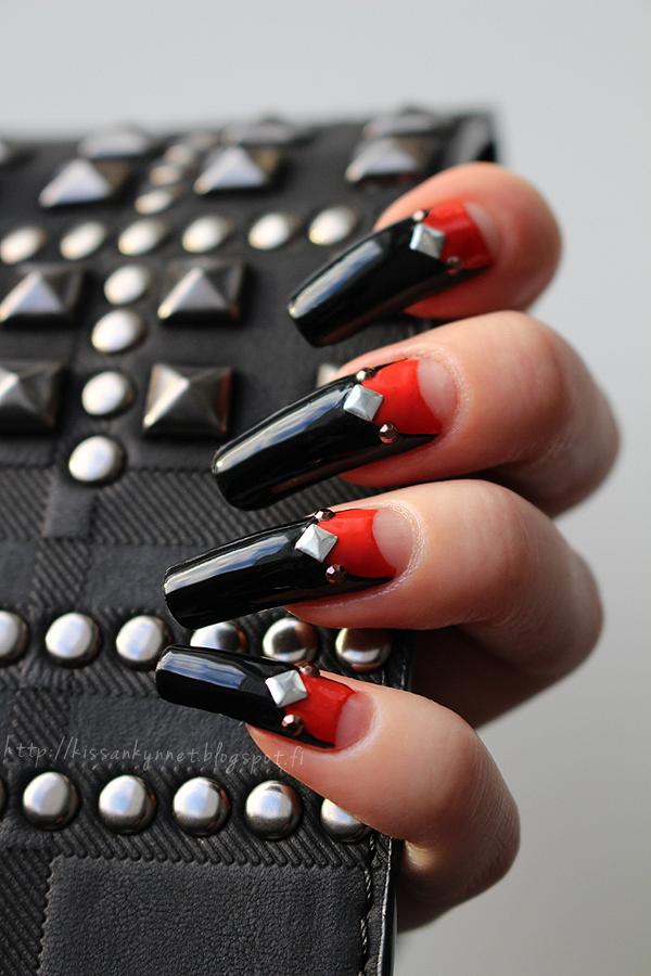 Rivet halfmoon manicure2