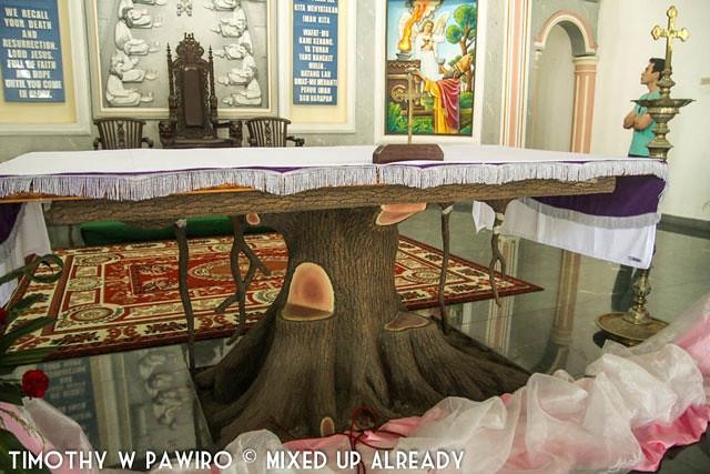 Asia - Indonesia - Medan - Marian Shrine Of Annai Velangkanni (Catholic Church) - The Altar with the shape of tree