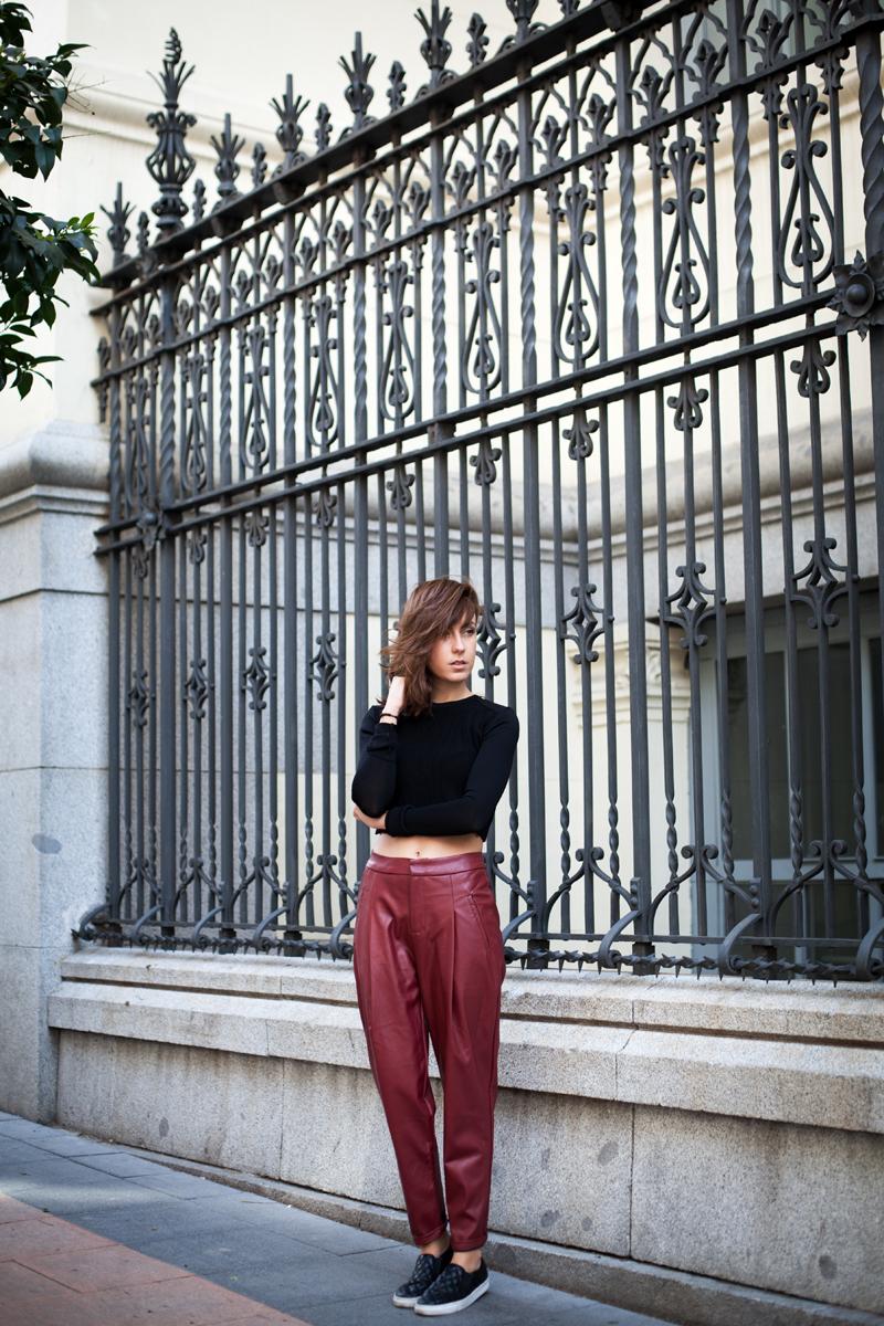 leather-burgundy-pants-003