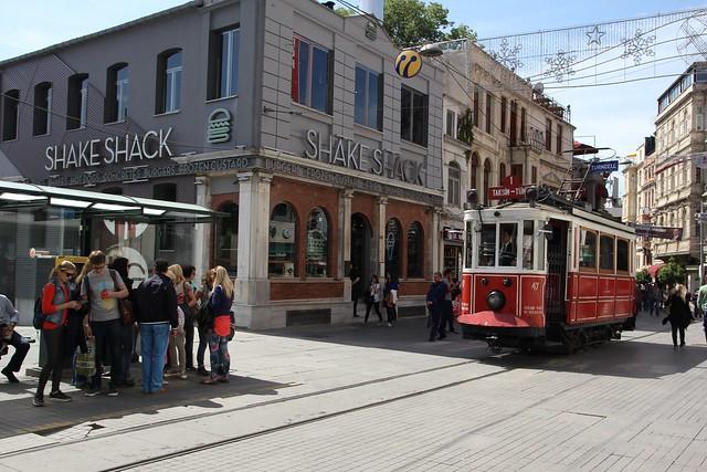 195 - Istiklal Caddesi