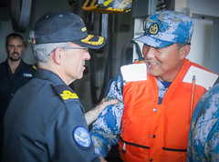 EUNAVFOR FCdr welcomes Chinese RAdmiral on board ESPS Galicia (2)